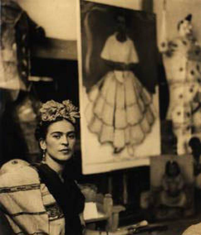 """frida la llorona essays Frida kahlo comes to dinner by christine strickland essay sample the poem """"frida kahlo comes to dinner"""" by christine strickland is a compelling poem strongly."""